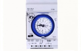 Programmable time relay 100-250V AC SYN161D/SUL181D
